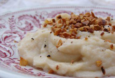toasted garlic cauliflower whip