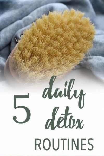 These safe, daily detox routines are effective and work with your body, not against it.  #detox #DIY #nontoxic #healthyhome #naturalbeauty #naturallifestyle #haircare #skincare #diyskincare