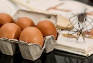 How to Eat Raw Eggs Safely – and why you should!