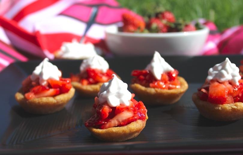 paleo strawberry shortcake bites