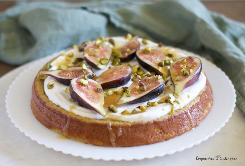 Paleo flourless cardamom cake with figs