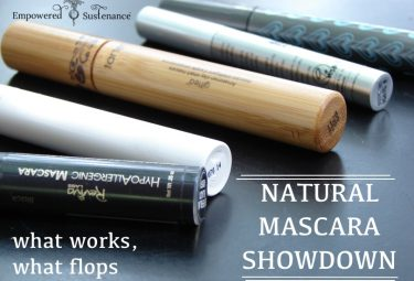 Great list and reviews of natural mascaras - what works and what doesn't!