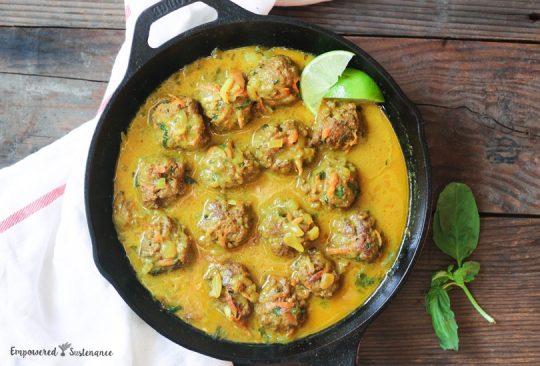 Paleo Thai Curry Meatballs
